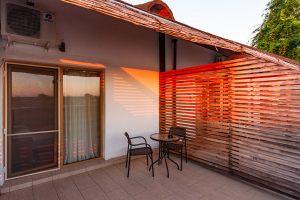 Camere-Paradise-Delta-House-Camera-104-_balcon_DSC0945